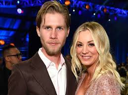 Kaley Cuoco & Karl Cook Still Like Each Other After Living Together