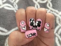 Kissing Disney Minnie and Mickey gel nails. #cutenails #nails ...