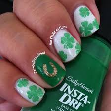 lucky horseshoe and clover nails