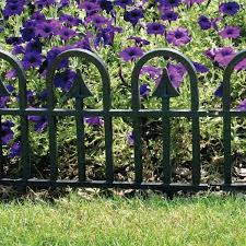 Vigoro 12 In H Black Resin Garden Border Fence 51504 The Home Depot