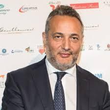 Claudio Brachino lascia Mediaset dopo 32 anni, era stato direttore ...