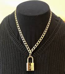 lock necklace with curb chain choker