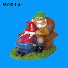 happy couple resin garden gnome