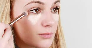 apply makeup for party or night out