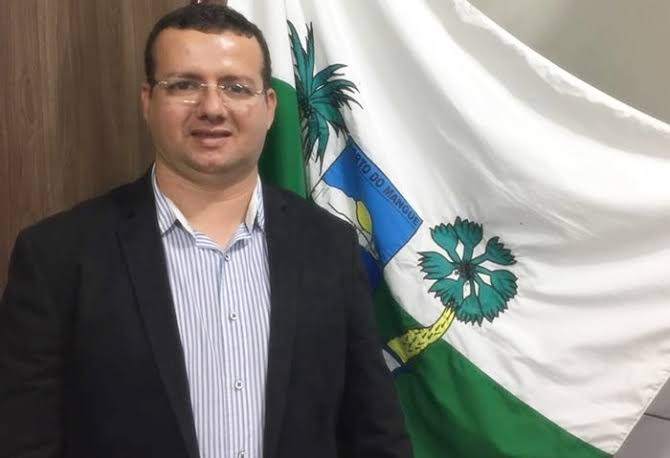 Resultado de imagem para fotos do prefeito de porto do mangue sael melo