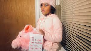 """After thief steals little girl's piggy bank, """"The Bank Fairy"""" replaces it  and neighbors help fill it"""
