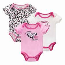 ملابس اطفال حديثي الولادة بالصور الطفل بملابسه الجذابة كيوت
