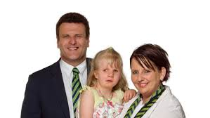 Abby Harrison and her parents Niki and Steve Harrison - Life Matters - ABC  Radio National