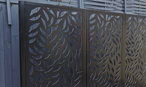 how to install an outdoor screen panel
