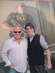 File:Dean Norris and RJ Mitte.jpg - Wikimedia Commons