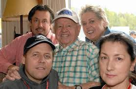 Mickey Rooney's body goes unclaimed as family feuds over burial ...