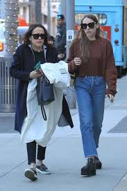 Sarah Sutherland: Christmas shopping in Beverly Hills -01   GotCeleb