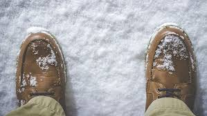 remove winter stains from leather shoes