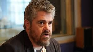 Comedian Phill Jupitus admits hit-and-run in Fife - BBC News
