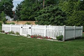 Custom Vinyl Picket Fence By Elyria Fence