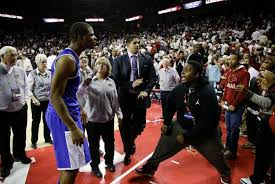 Taunting Arkansas fan offers his side of confrontration with Aaron ...
