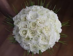 بوكيه ورد أبيض طبيعي لأجمل مناسبة Florana بوكيه ورد أبيض طبيعي