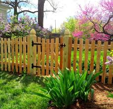 Scalloped Picket W Gothic Posts Picket Fence Design Ideas Low Level Fence Limited Privacy Fence Family Fence Fence Fence Design Picket Fence Wood Fence Design