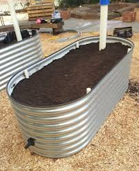build a self watering wicking bed
