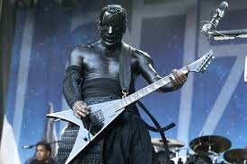 Limp Bizkit Guitarist Wes Borland Playing Shows With Broken Hand