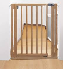 Safety 1st Easy Close Wood 24040100 Door Safety Gate Made From Wood Pressure Fit Natural By Safety 1st Shop Online For Baby In The United States