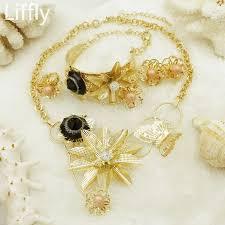 flower necklace pink pearl black
