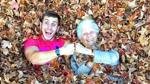 Galena vlogger, Ross Smith, and his 90-year-old Grandmother create viral  videos | WSYX