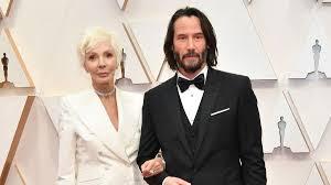 Киану Ривз пришел на Оскар-2020 с мамой: очаровательные фото - Новости шоу  бизнеса - Lifestyle 24