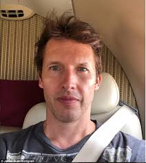 James Blunt admits he's running late for a concert because he 'has the  sh**s' | Daily Mail Online
