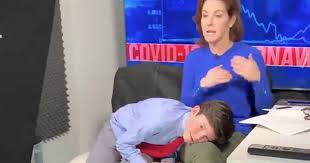 Stephanie Ruhle does live segment with her son on her lap