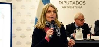 Cornelia Smith – Radio Nacional