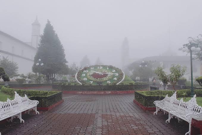 neblina cubriendo el centro de Zacatlán