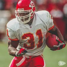 Who remembers watching Priest Holmes run... - The Kansas City Chiefs |  Facebook