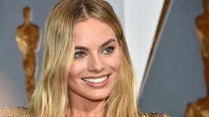 margot robbie s makeup photos from