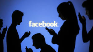 Facebook ci spia usando il microfono dello smartphone: cosa fare ...