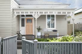 How To Repaint A Picket Fence