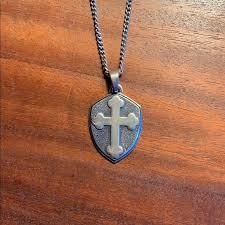 accessories mens necklace w pendant