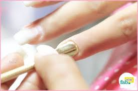 how to mainn acrylic nails at home