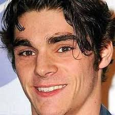 Who is RJ Mitte Dating Now - Girlfriends & Biography (2020)