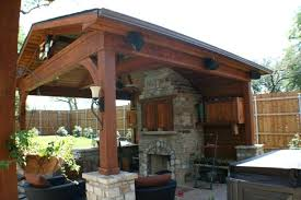 detached covered outdoor kitchen