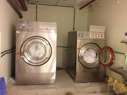 Máy giặt công nghiệp sử dụng trong gia đình được không ?   Phân phối máy  giặt công nghiệp ,máy sấy công nghiệp chính hãng