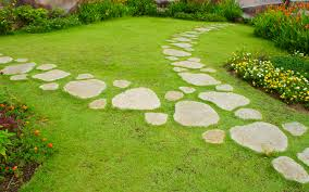 garden path ideas with stepping stones