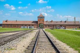 auschwitz birkenau full day group tour