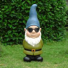 3 gnome with glasses com
