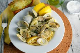 Linguine with White Clam Sauce - A Easy Seafood Pasta Recipe