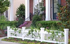 Picket Fence Ideas For Instant Curb Appeal Front Yard Fence Fence Landscaping Picket Fence