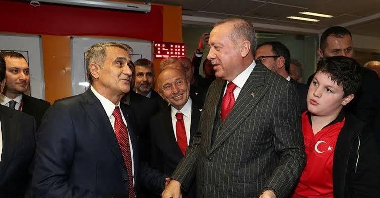 """Erdoğan soyunma odasına inerek tebrik etti. İşte o anlar.. ile ilgili görsel sonucu"""""""