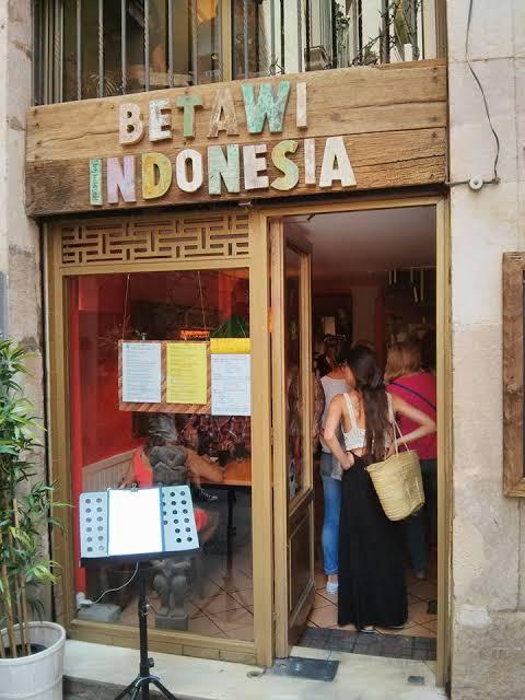 """Hasil gambar untuk betawi indonesia spanyol"""""""