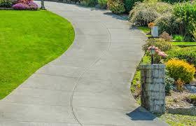 garden path ideas mulch gravel
