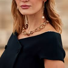 8 outdated jewelry trends and what to
